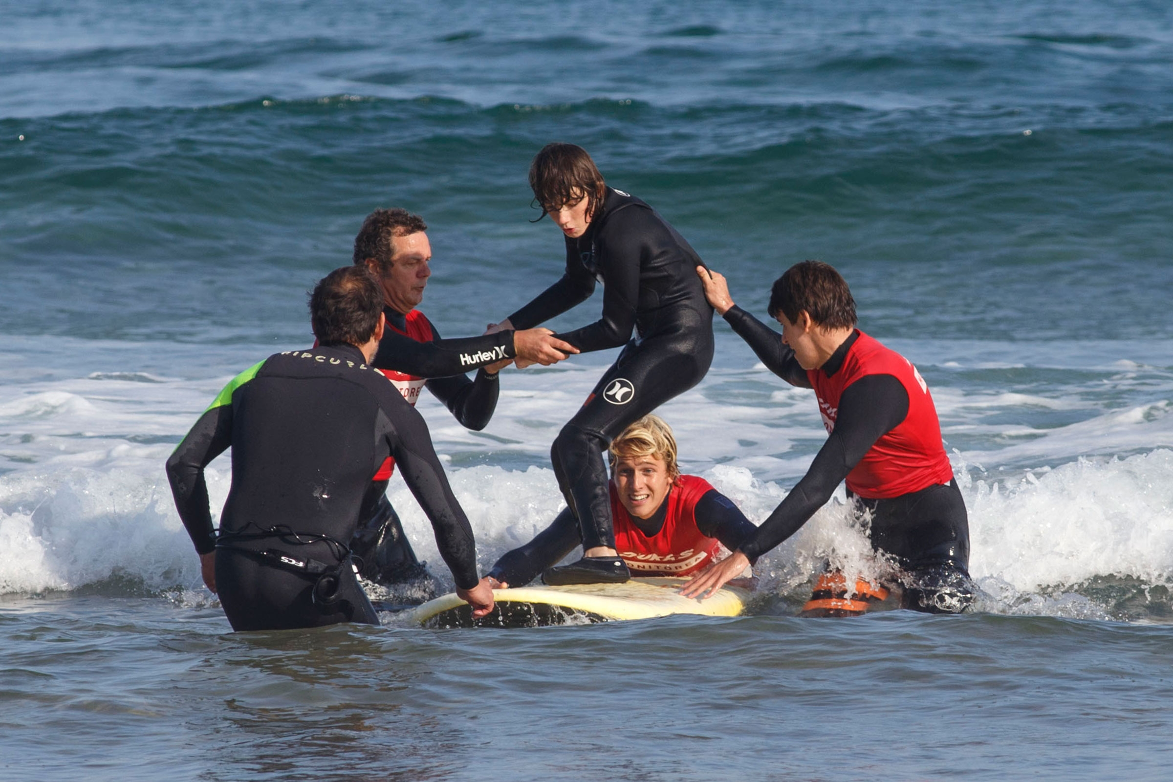 Excepcional fin de semana de Surfing Adaptado en aguas de Zarautz