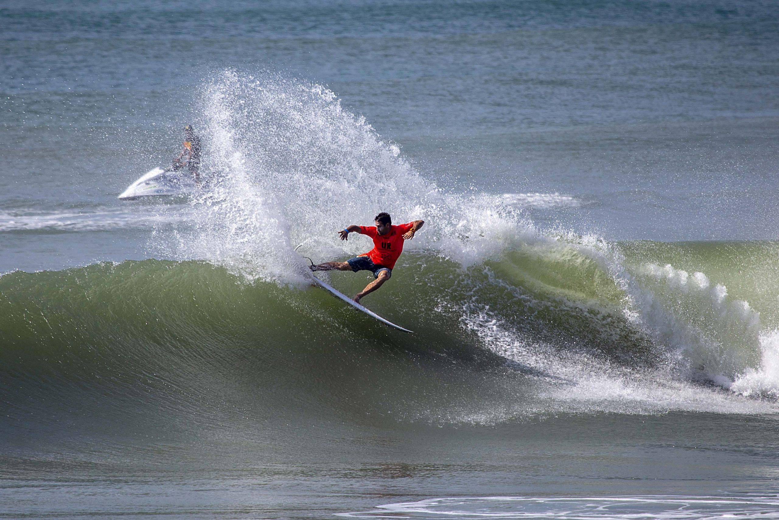 """La selección española encara la recta final de los """"ISA World Surfing Games"""" con buenas sensaciones"""