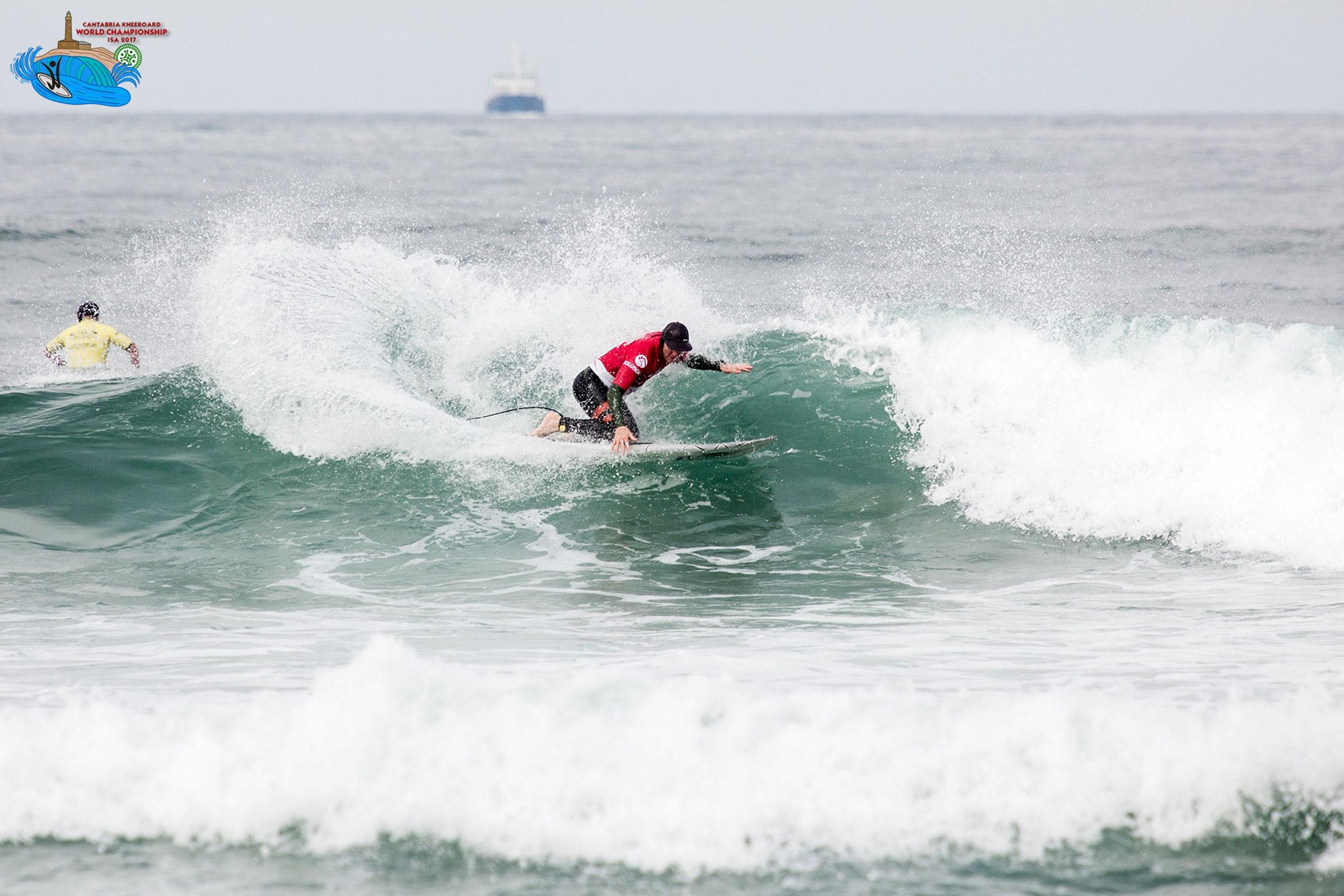 """Arrancó el """"Cantabria ISA Kneeboard World Championship 2017"""" que se está celebrando en la playa de Somo"""