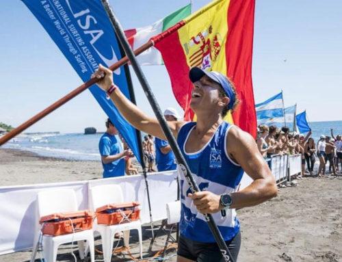 Esperanza Barreras; una vida en el mar y una vitrina llena de trofeos