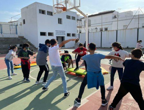 """El proyecto """"Aprende a través del Surfing"""" llegará a casi 2.500 estudiantes de Galicia, Andalucía y Baleares"""