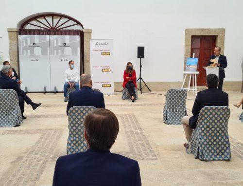 Carlos García, presidente de la Federación Española de Surfing, asiste a la presentación del Equiocio 2021